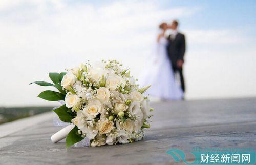 中国结婚率连续4年下滑 2017年结婚登记数创近年新低
