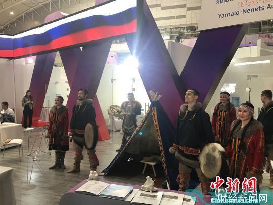 图为丝博会上的俄罗斯文艺表演。 张一辰 摄