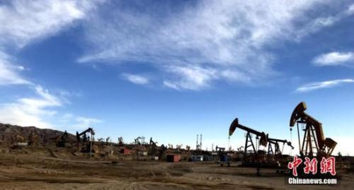 资料图:青海油田唯一一个年产百万吨的尕斯油田。中新社记者 孙睿 摄